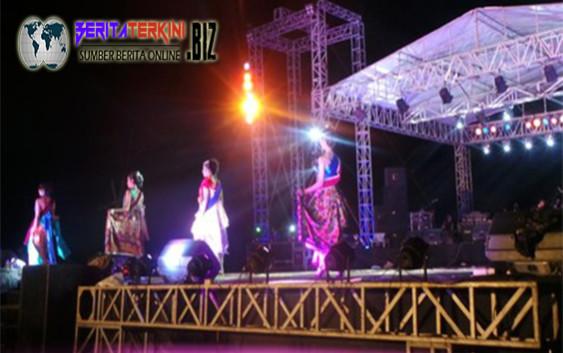 Sebelum Menangkap `Putri Mandalika` Pesta di Pantai Kuta Lombok Sangat Asyik