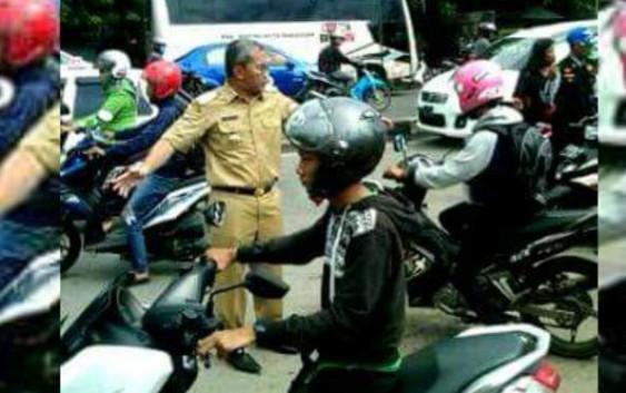 Macet Total, Wali Kota Makassar Jadi Pengendali Lalu lintas