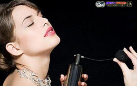 Ketahui Cara Memakai Parfum Saat Musim Kemarau