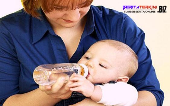Alasan Kenapa Bayi Tidak Boleh Minum Air Putih Setelah Minum ASI