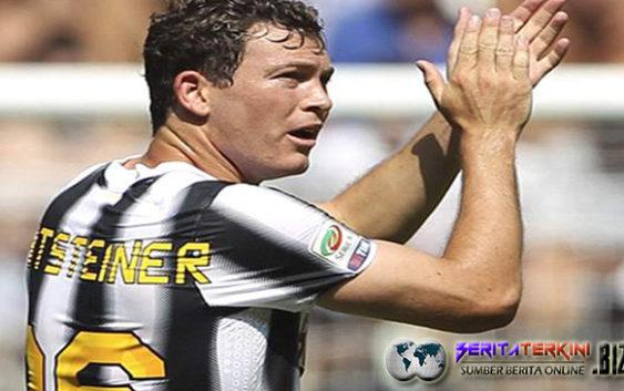Lichtsteiner Berbahagia Usai Menjadi Pemain Andalan Juventus Kembali