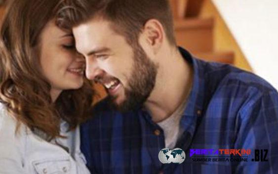 Memanjakan Telinga Pasangan Anda Dengan 7 Kalimat ini