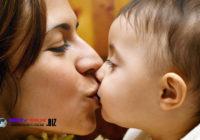 Cium Bayi Berisiko Tularkan Bakteri Jahat